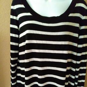 Torrid blk/ wht sweater-0
